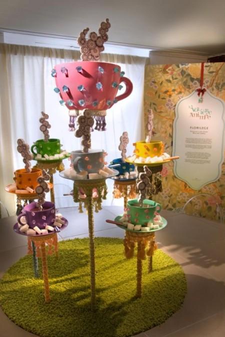 L'interior designer Francesco Catalano ha ricreato una atmosfera da Alice nel Paese delle Meraviglie nel Temporary Shop progettato per Novoceram a Parigi