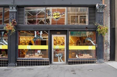 La cetrina del Dr.Martens Temporary Store di Seattle
