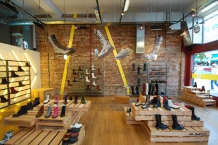 I pallet usati come espositori anche nel Dr.Martens Temporary Store di Seattle