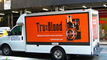 il furgone delle consegne della bibita a base di sangue sintetico True Blood