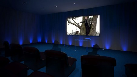 la sala cinema del Pop Up Restaurant di British Airways