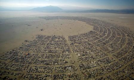 Burning Man 2012: vista aerea del festival di arte e musica nel deserto del Nevada