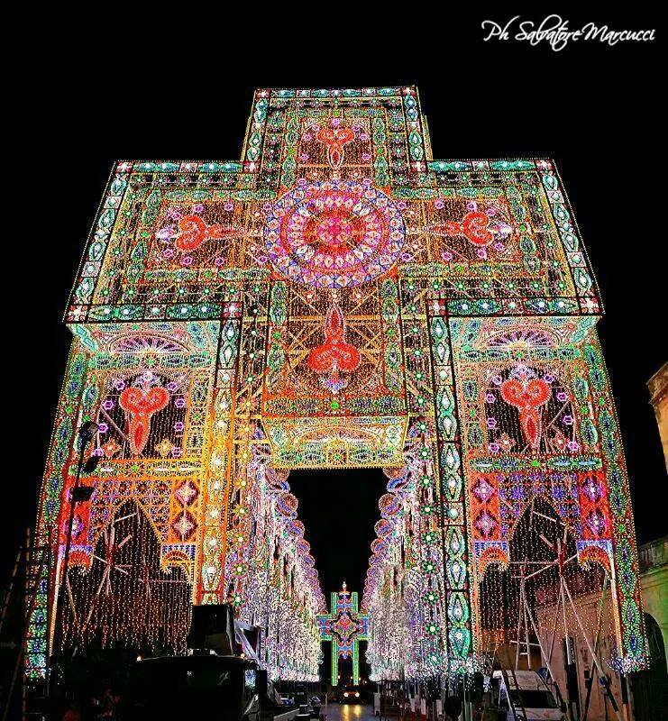 Le luminarie di Scorrano per la festa di Santa Domenica 2014