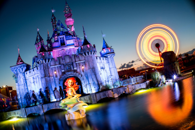 Banksy's Dismaland Castle at night - Carefully selected by Gorgonia www.gorgonia.it