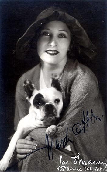 Una foto autografata dell'attrice Marta Abba - Carefully selected by Gorgonia www.gorgonia.it